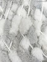pompom  031 grey-white mix