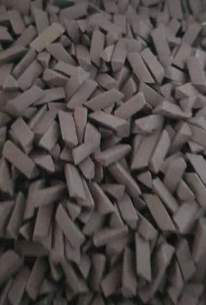 4/10 Ceramic abrasive  media suitable for vibratory Tumblers